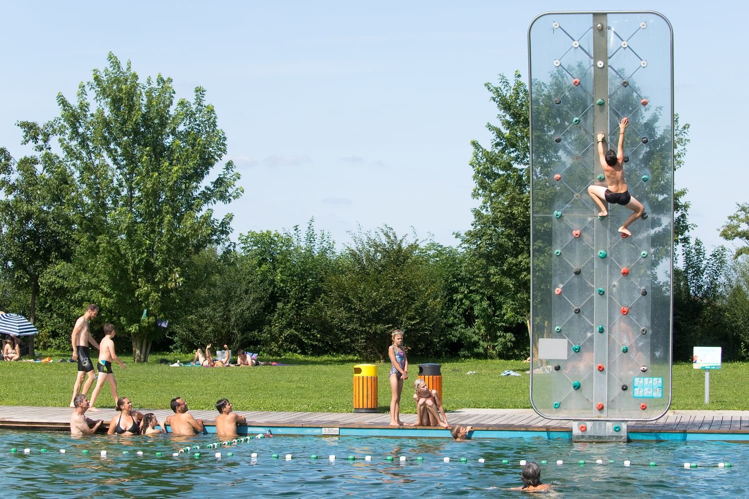 TOURISM: All aspects of swimming in Beaune Côté Plage