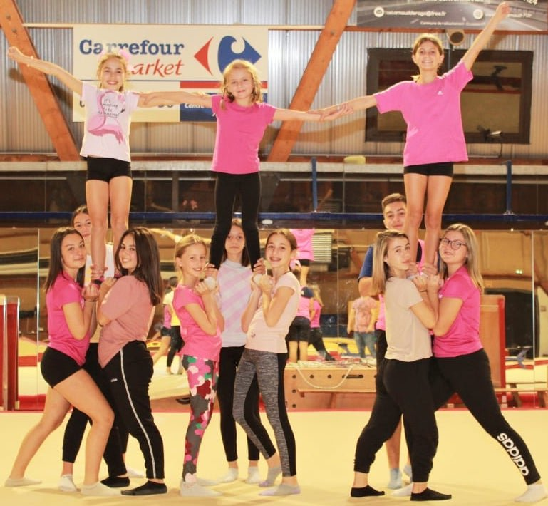 LE CREUSOT: Pink October for the dance of the stars